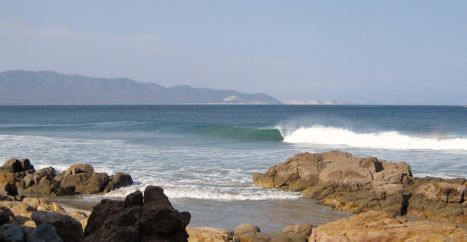 Las Palmeras Surf Camp, Kings Point 2021