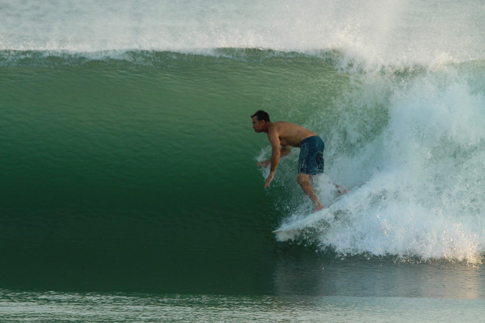 Surf Las Palmeras Josh Mulcoy Playa Abierta