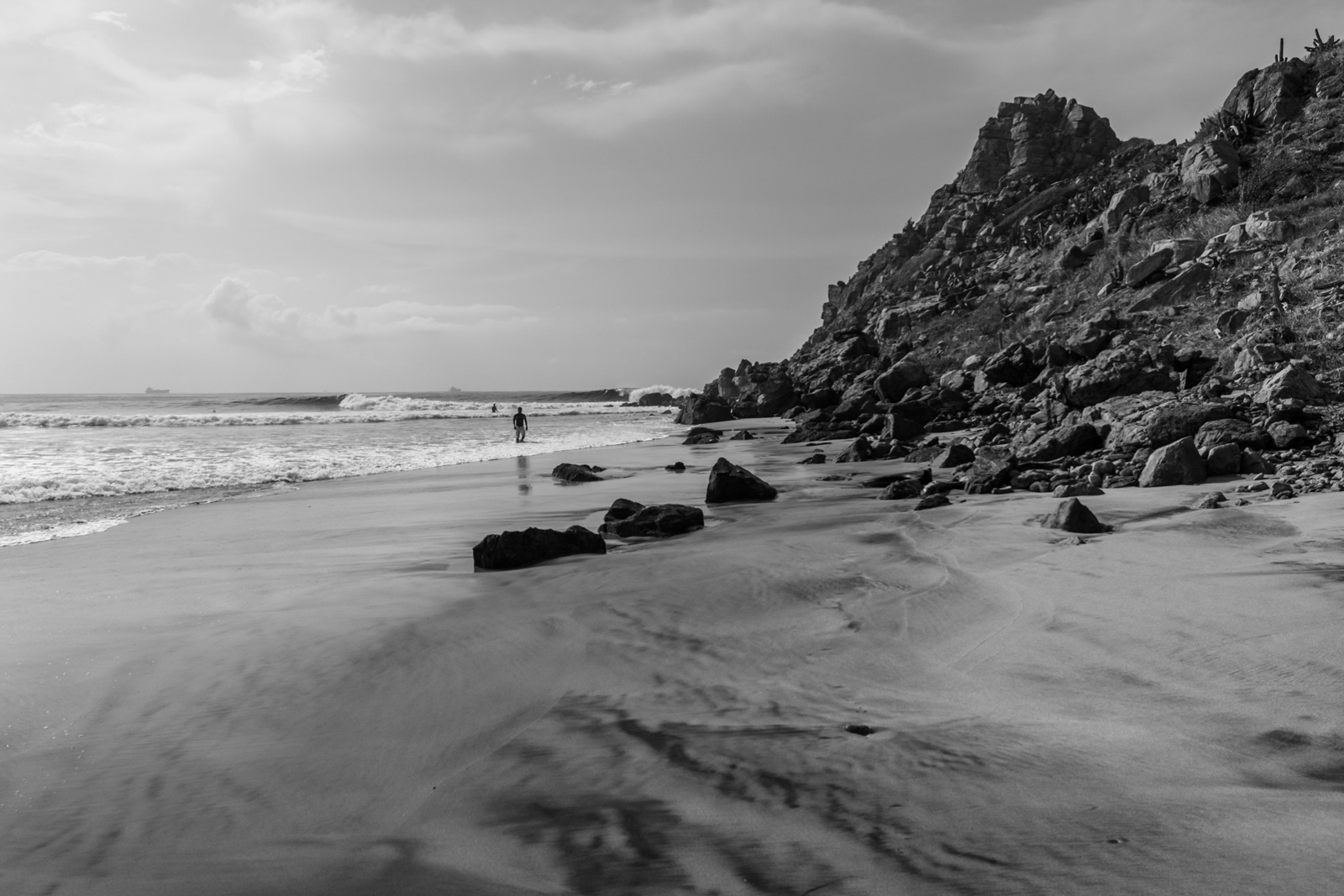 Black and White Dreaming in Salina Cruz