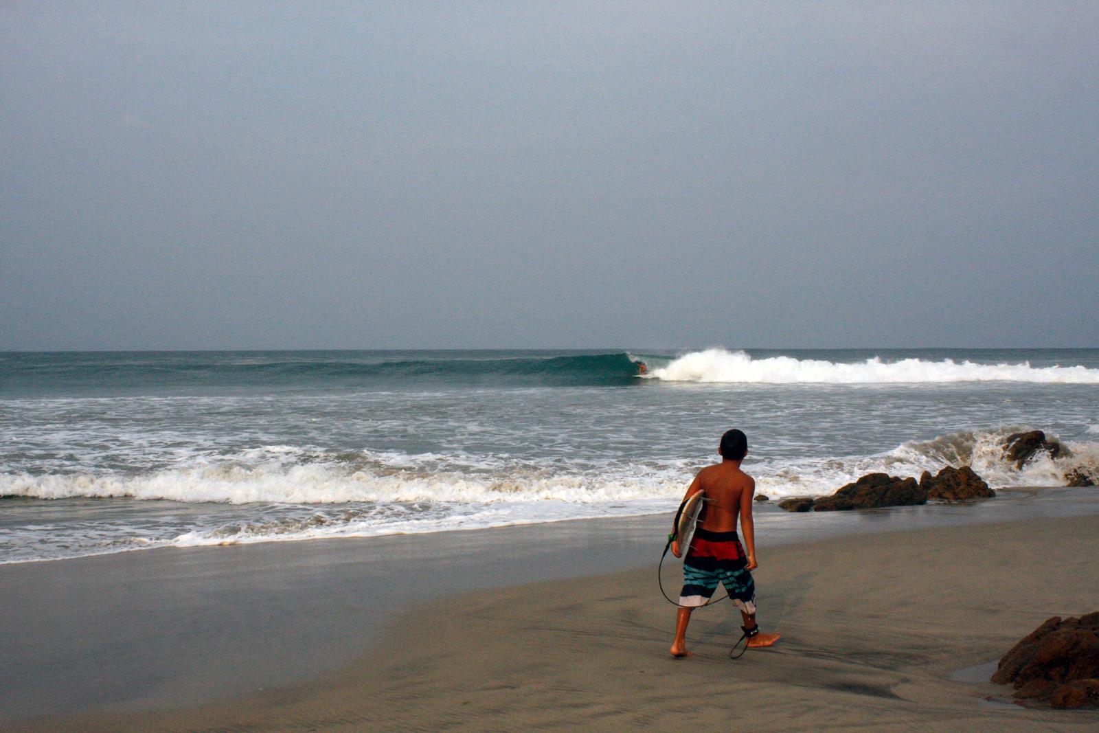 Josh Mulcoy, Elvis | Las Palmeras Surf Camp, Salina Cruz, Oaxaca, Mexico